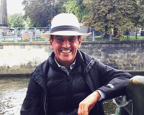 Una imágen del Dr. Aparicio en Berlín.